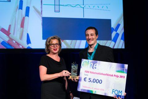 Presentation of the FOM Valorisation Chapter Prize 2013