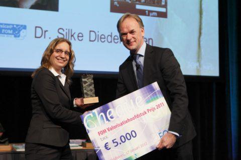 Presentation of the FOM Valorisation Chapter Prize 2011