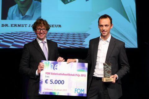 Presentation of the FOM Valorisation Chapter Prize 2012